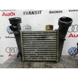 Радиатор интеркуллера 8D0145805D VAG