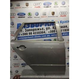 Дверь задняя правая универсал Fabia II 5J9833312