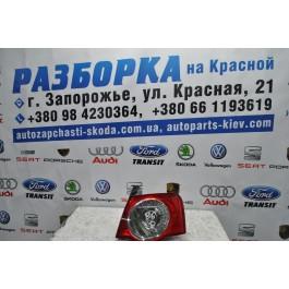 Фонарь задний правый внутренний VW Passat B6 седан 3C5945096H