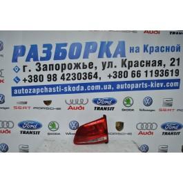 Фонарь задний правый внутренний VW TOUAREG 7P6945094C